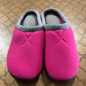 Like new! Isotoner Slip-ons in Fuchsia and Gray